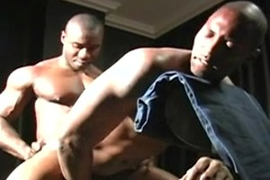 Black muscle man fucked